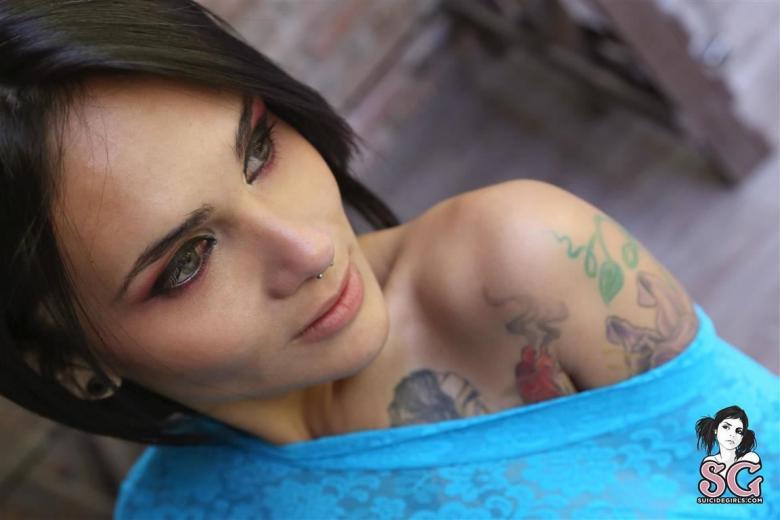 Amy rose nue